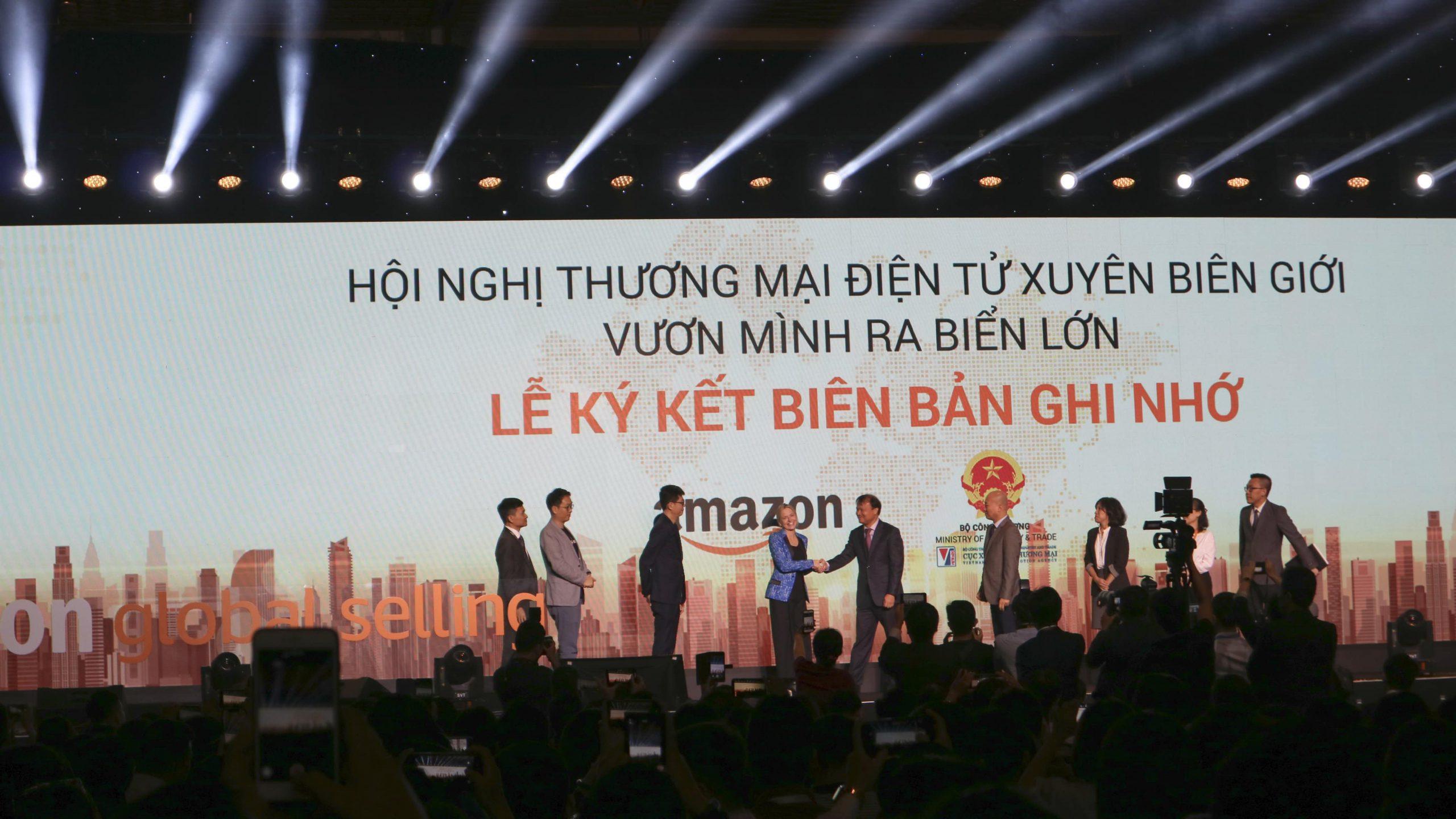 """Doanh nghiệp Việt và """"cơ hội vàng"""" khi Amazon vào Việt Nam"""